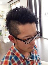 大人クールなツーブロック|macro hairのメンズヘアスタイル