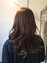 ふんわりロング +muutosのヘアスタイル