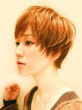 鉄板ショート fleurのヘアスタイル