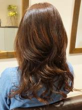 ナチュラルロングスタイル|美容室 Bondsのヘアスタイル