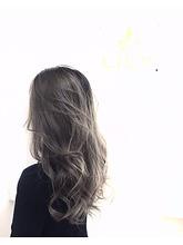 グレージュカラー|LILY SHINSAIBASHIのヘアスタイル