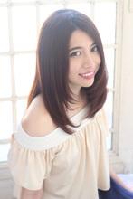 大人かわいいツヤ髪のナチュラルストレートセミディ|Secretのヘアスタイル