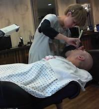 マッサージ・パックで  若さを保ってます!|Barber UTENAのメンズヘアスタイル