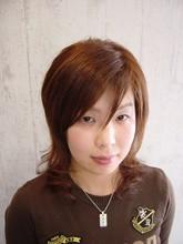 ゆるやかなウェーブが優しい女らしさを作ります。|Vogue Hair&Face    のヘアスタイル
