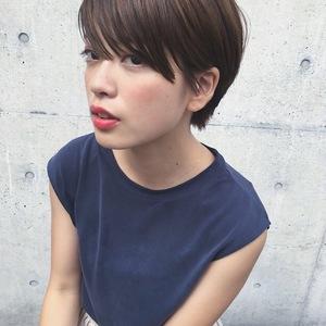 スタイリッシュな大人ショートヘア|ACQUA aoyamaのヘアスタイル
