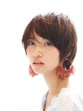 大人可愛い 小顔ゆるふわショート|ACQUA aoyamaのヘアスタイル