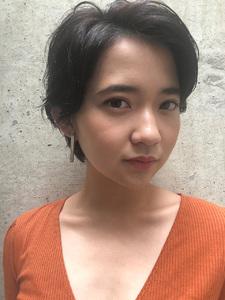 大人のお洒落な暗髪ショート|ACQUA aoyamaのヘアスタイル