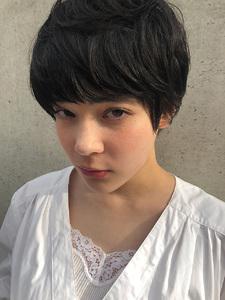 お洒落好きな人向け大人のマッシュショート|ACQUA aoyamaのヘアスタイル