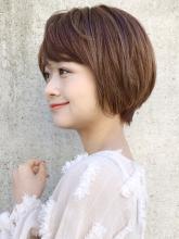 大人かわいい 斜め前髪 ショートヘア ACQUA aoyamaのヘアスタイル