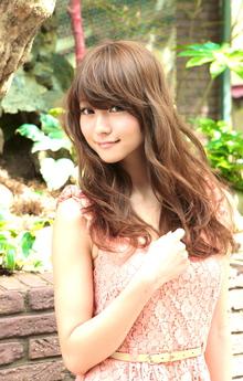 柔らかな透けカールで戸田恵梨香風ロング!『伸』|ACQUA aoyamaのヘアスタイル