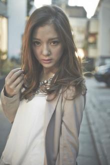 『ACQUA 表参道』おしゃれに!海外セレブ風ロング|ACQUA omotesandoのヘアスタイル