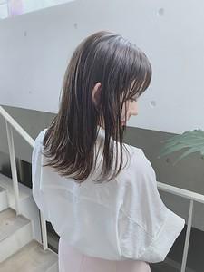 溢れ出る透明感♪うるつやミディ|ACQUA omotesandoのヘアスタイル