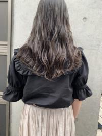 圧倒的な透明感と暗髪 グレージュヘア