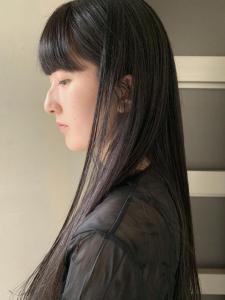 大人可愛い ロング 暗髪 黒髪 ワンカール フルバング|ACQUA omotesandoのヘアスタイル