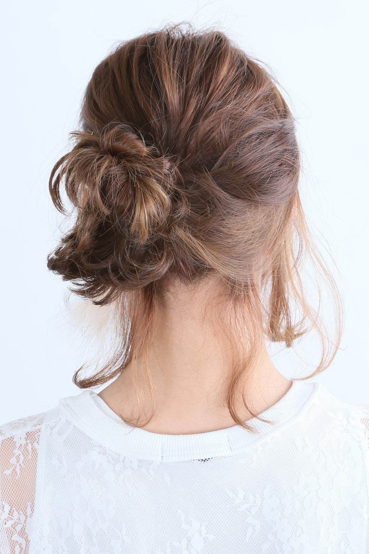 フリンジカールが可愛いルーズアップアレンジヘア