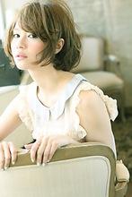 ヌード ホワイティ ボブ AFLOAT NAGOYA 山田 真子のヘアスタイル