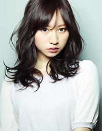 アフロート ルヴア☆黒髪と動きのある大きめカールのパーマ