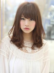 アフロートルヴア 暗髪カラー小顔フェアリーミディアム|AFLOAT RUVUAのヘアスタイル