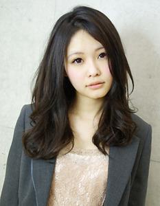 アフロートルヴア☆黒髪でも動きのあるロングヘア AFLOAT RUVUAのヘアスタイル