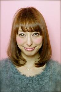 ヘアカタログ2012冬ミディアム小顔髪型