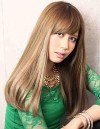 海外セレブ髪型・プラチナアッシュカラー