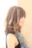 海外セレブ髪型・インナーカラー