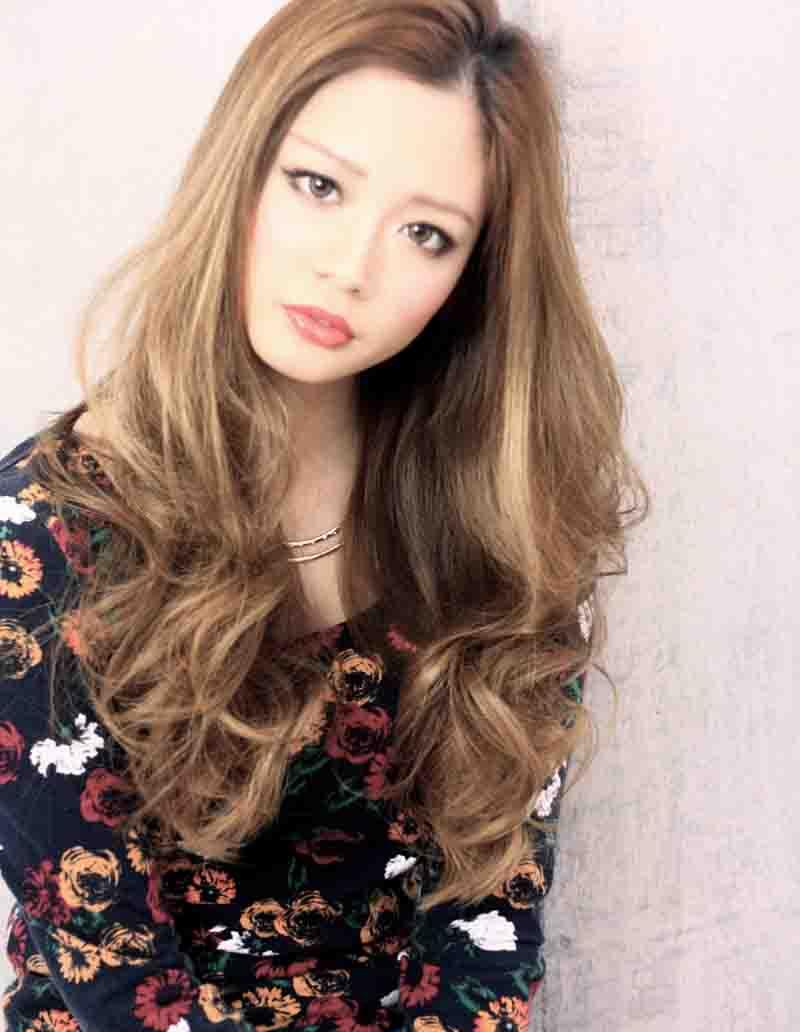 海外セレブ髪型・ロングウェーブ