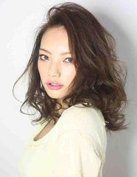 2013夏ヘアカタログ 海外セレブ髪型 アッシュグレージュカラー