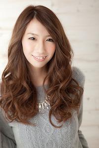 2014 A/W 髪も艶めく大人可愛いロングスタイル