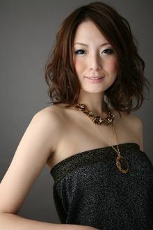 ふんわりカールで女っぽさも小顔効果もバッチリ!!|albasanz 三条烏丸のヘアスタイル