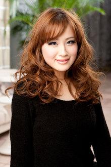 つや感たっぷりに仕上げたランダムでリッチなカールに注目♪|ALEX  神戸本店のヘアスタイル