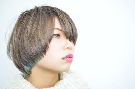 冬にぴったりな首回りがすっきりのショートボブ。|緑地公園 美容室 『alfred hair studio』のヘアスタイル