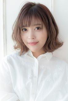 小顔ウェーブミディ【ラベンダーアッシュ】U-197|ALICe by afloatのヘアスタイル