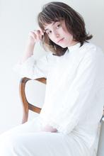 小顔に見えるパーマ秋スタイル簡単スタイリングショート AKI-372|ALICe by afloatのヘアスタイル