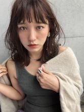 カジュアル☆ウェーブミディ【y−396】 ALICe by afloatのヘアスタイル