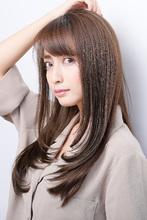 大人カッコいい、ちょっぴりクールなしなやかロング|ALICe by afloat ムッシュ 豊田のヘアスタイル