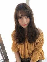 女子アナ風ウェーブセミディ【シアーグレージュ】U-213|ALICe by afloatのヘアスタイル