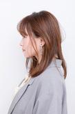 ストレートアイロンでツヤと自然な丸みをつけた愛されヘア