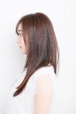 素髪の美しさと儚さにドキッとさせられるスーパーナチュラルなロング