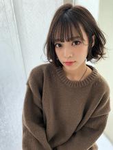 小顔ウェーブミディ【ラベンダーアッシュ】U-252|ALICe by afloatのヘアスタイル