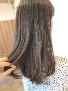 クリーミーミルクティーベージュ【K_22】|ALICe by afloatのヘアスタイル