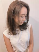 くびれロブ ワンカール 【y−502】|ALICe by afloatのヘアスタイル