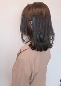 くびれ レイヤーミディ 秋色アッシュグレイ【yー514】