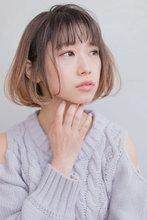 透明感あるバレイヤージュカラーショート AKI-578|ALICe by afloat AKIHIROのヘアスタイル