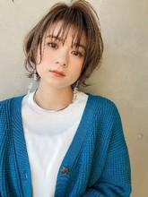 大人カジュアルショート 毛先パーマ【yー562】|ALICe by afloat 松盛 友美子のヘアスタイル
