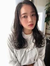 女子アナ風清楚セミディ【シナモンブランジュ】U-323|ALICe by afloatのヘアスタイル