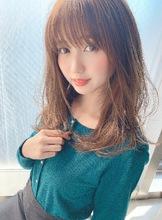 色っぽ可愛いセミロング【H-782】|ALICe by afloatのヘアスタイル