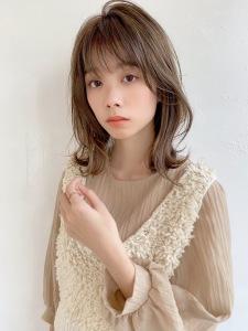 小顔フェミニンレイヤーミディ|ALICe by afloatのヘアスタイル