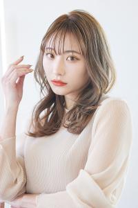 韓国風ヘアをより女性らしく進化させたモテ髪