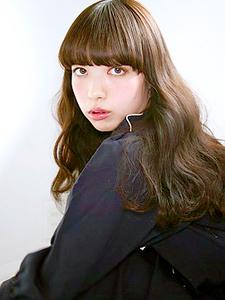 大人可愛いセミロング|allys hair aoyamaのヘアスタイル
